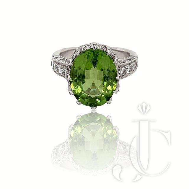 18KT WG PERIDOT DIAMOND RING