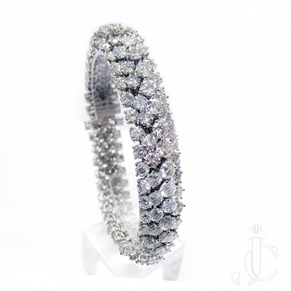 Platinum Diamonds Bombe Bracelet, London
