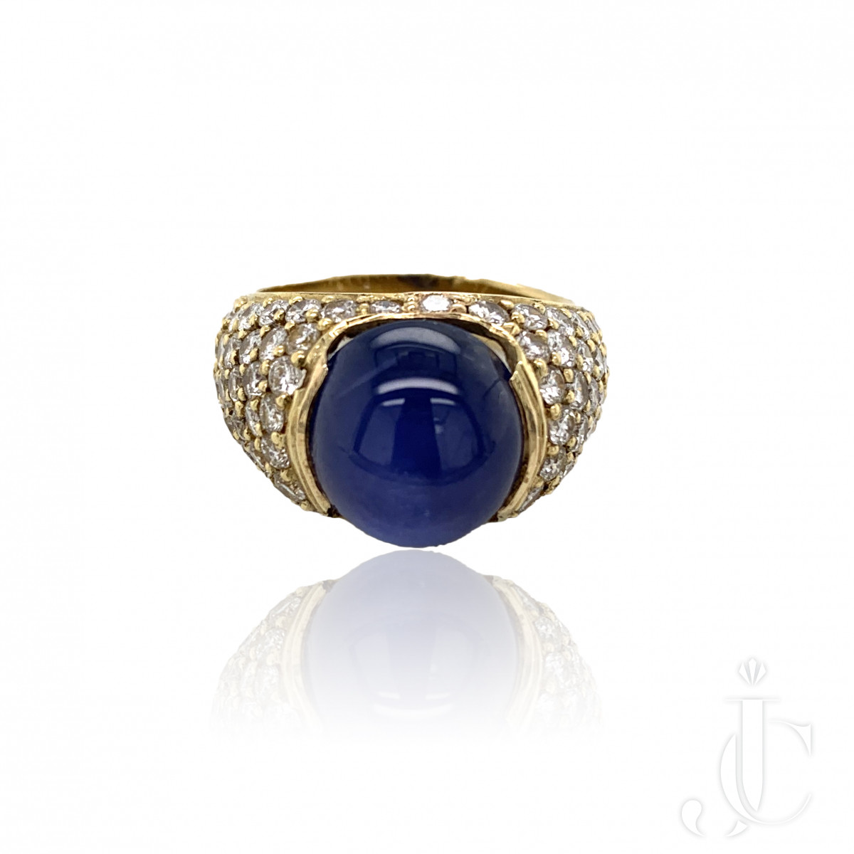STAR SAPPHIRE RING WITH PAVE DIAMONDS
