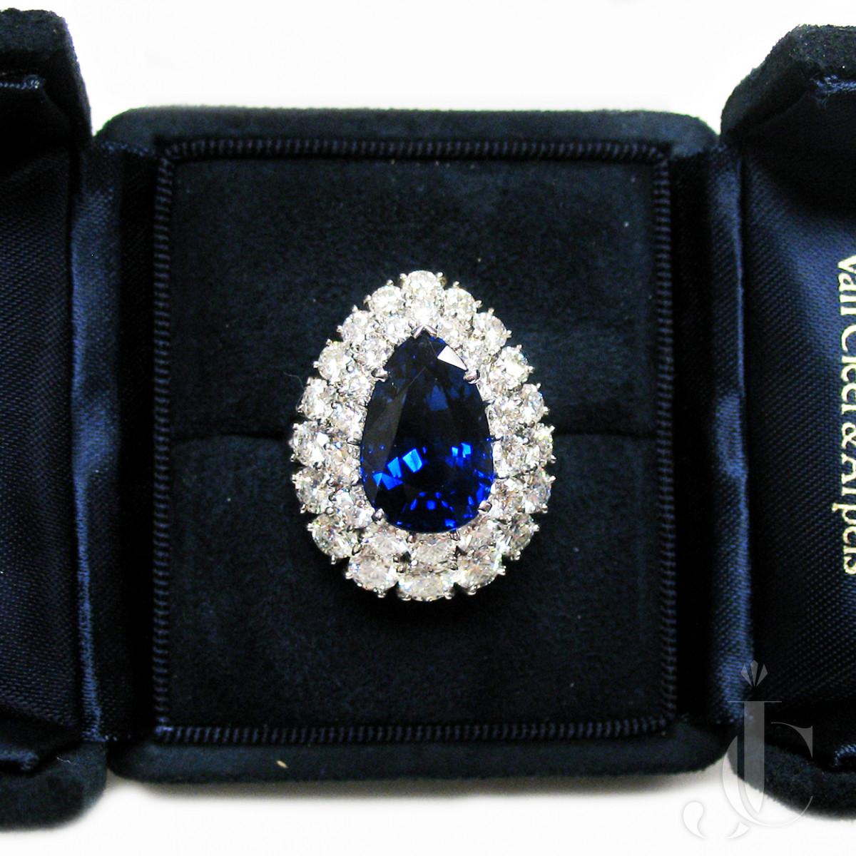 Platinum Pear Shape Sapphire and Diamonds Ring, Van Cleef & Arpels