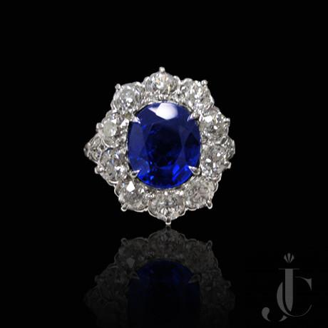 Platinum Sapphire 3.56 cts, & Diamonds Ring