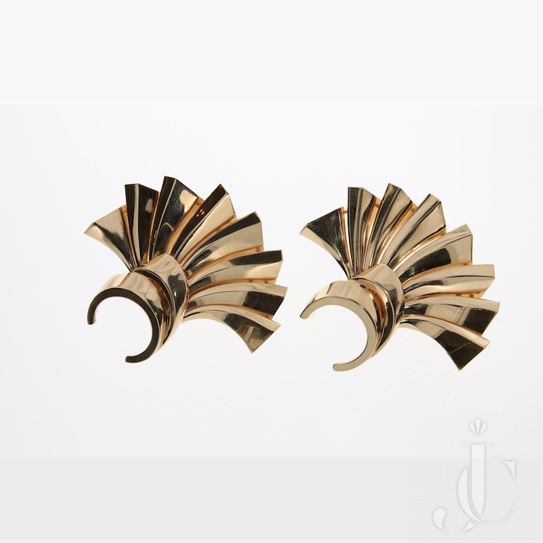 2 Gold Clip Brooches, Mauboussin
