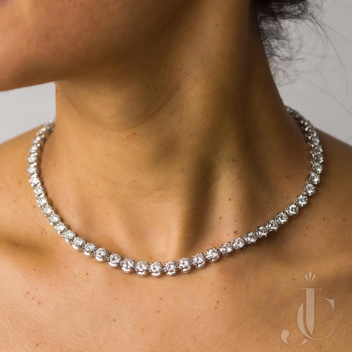 Platinum Diamond Rivière Necklace, 22 Carats, FG VVS