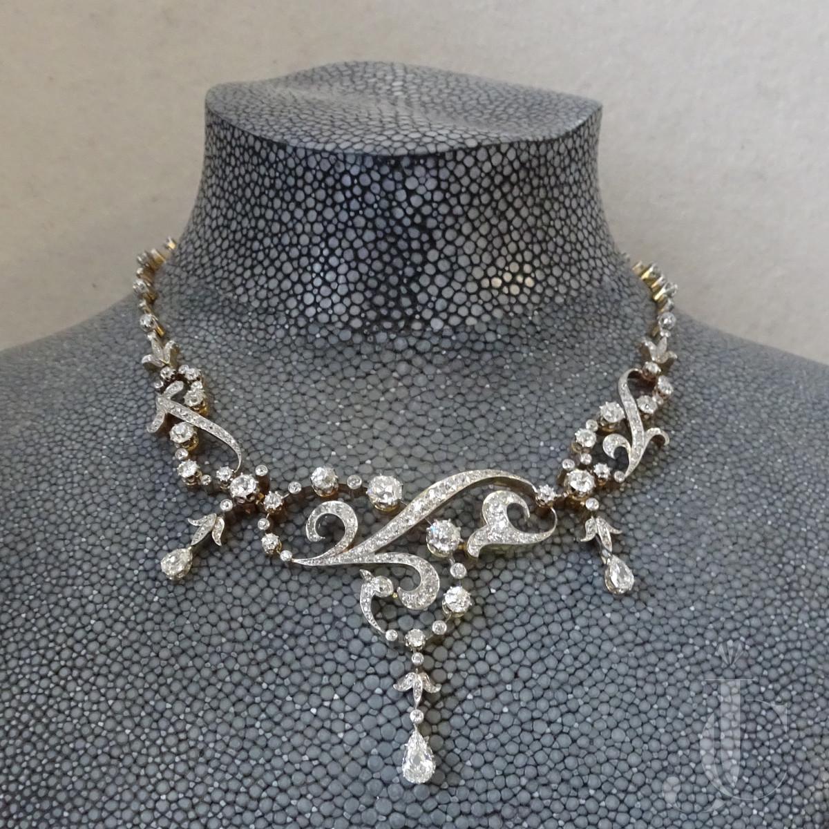 Diamond Collier