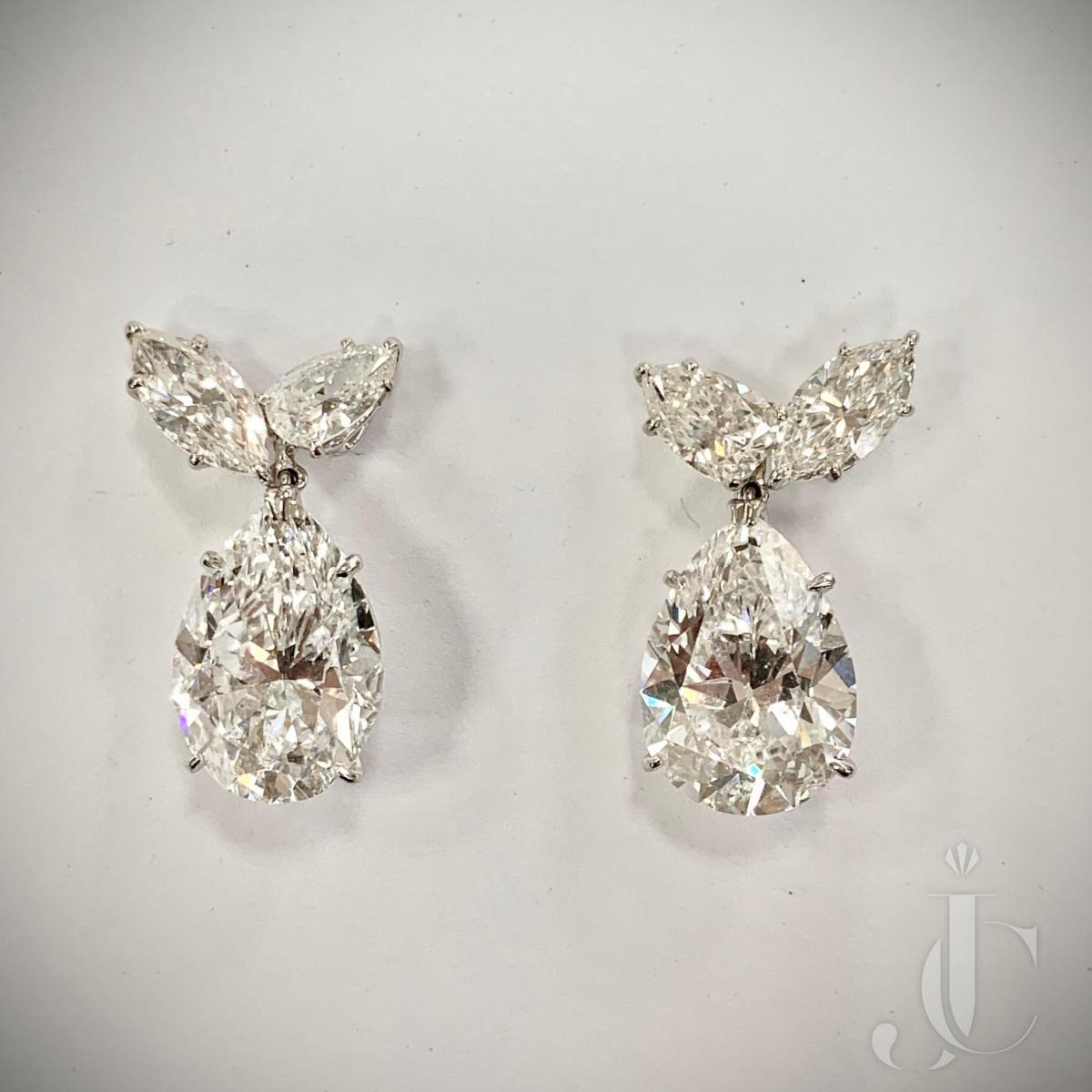 Pair of Harry Winston Pear Shape Diamond Earring Drops DIF, Type IIA