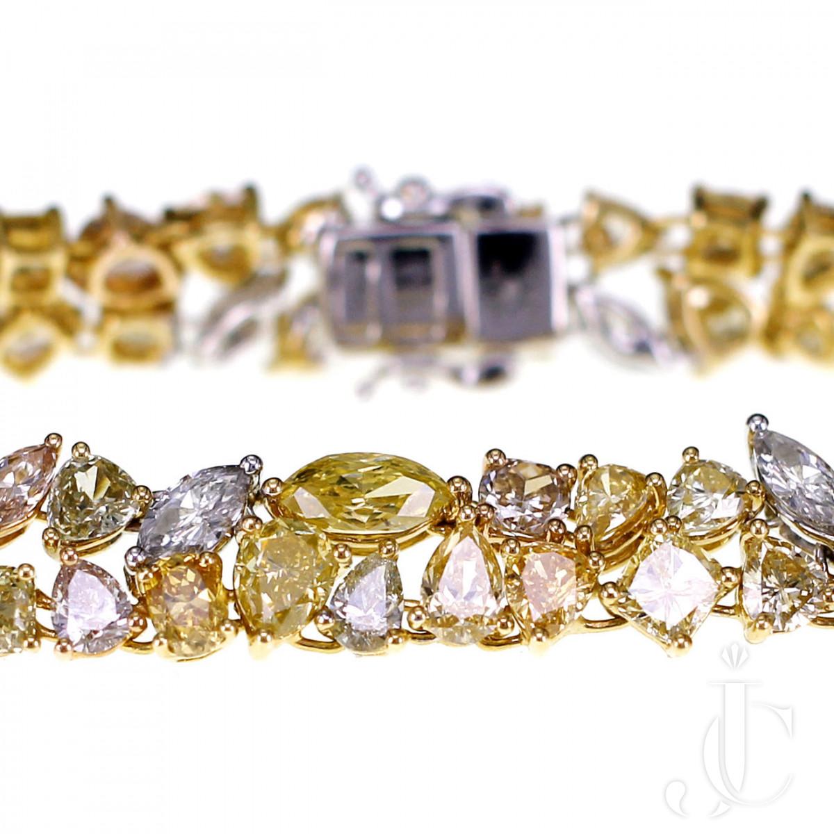 18 K Natural Fancy Color Diamond