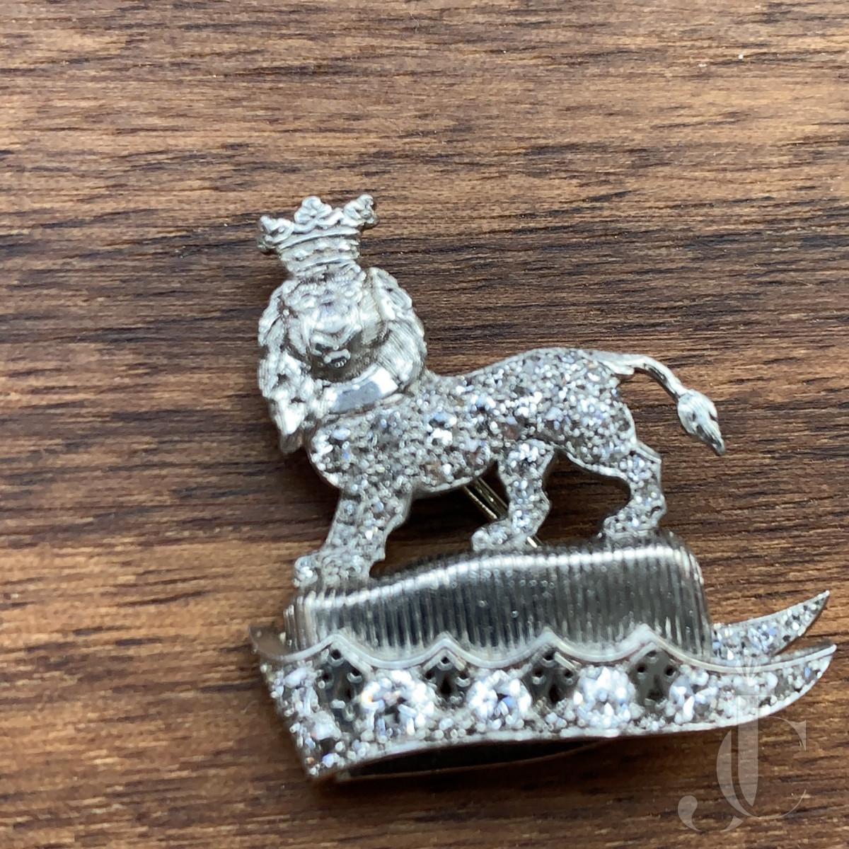 CARTIER Lion brooch