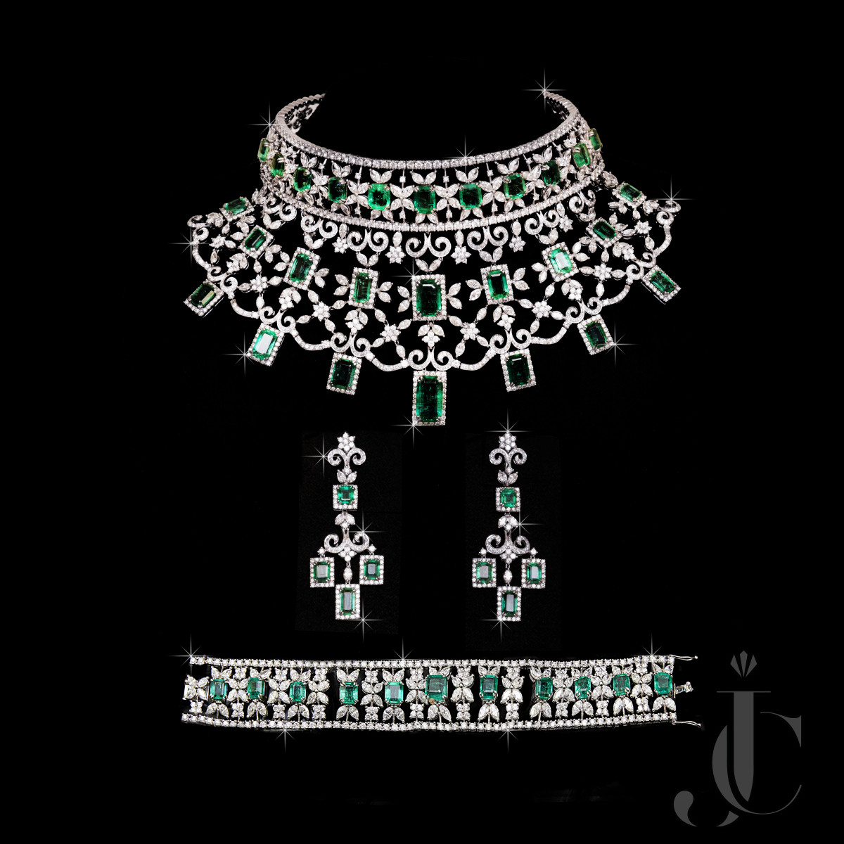 Fine Natural Emerald Octagon with Diamond Necklace Earing & Bracelet