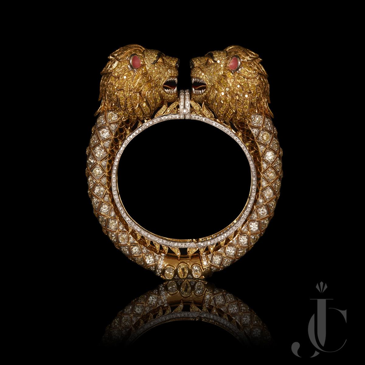 Fancy Diamond Lion Shape Bangle