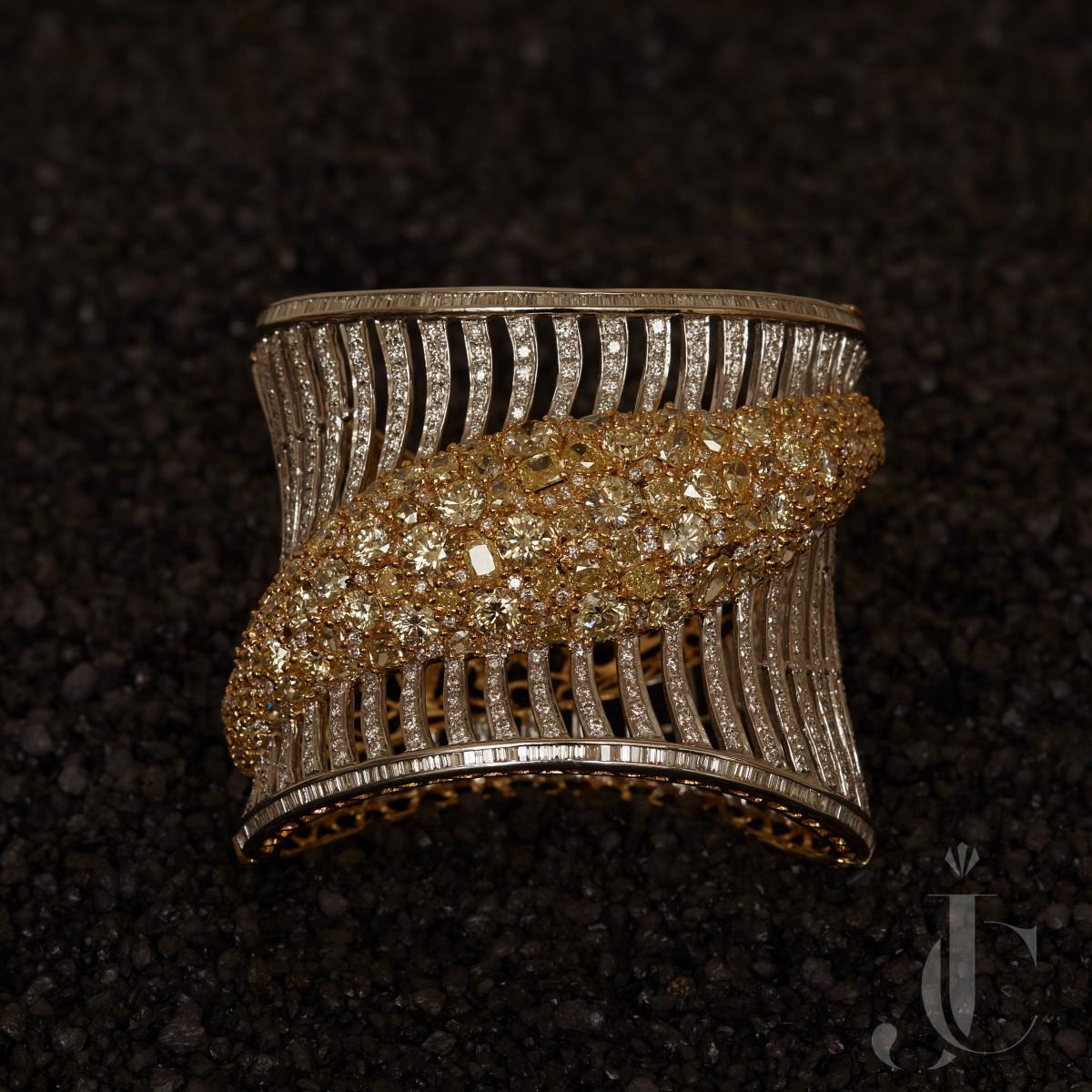 Natural Fancy & White Diamond Bangle