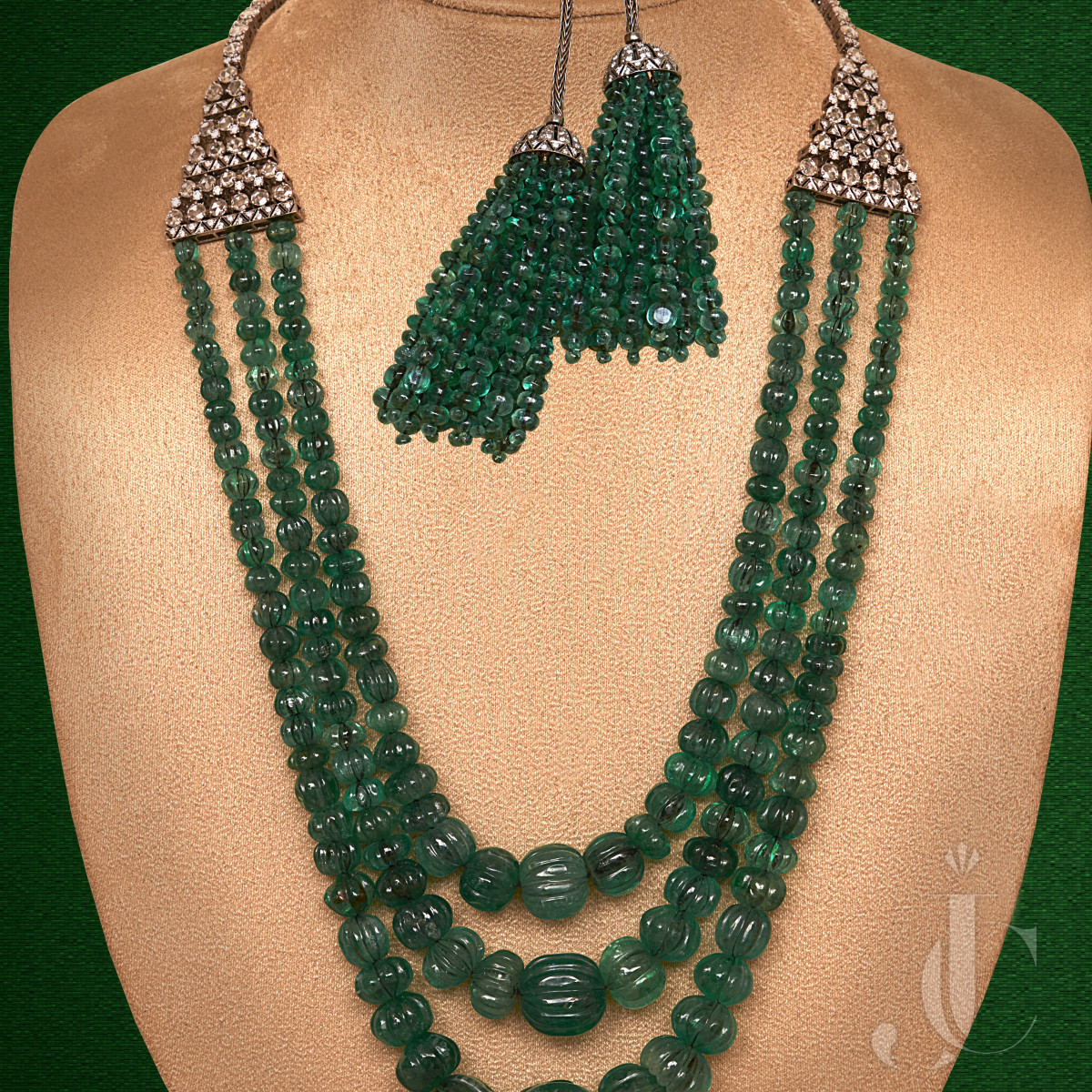 Natural Emerald Carving Beads Three Line Necklace with Diamond Back Clip with Tassle