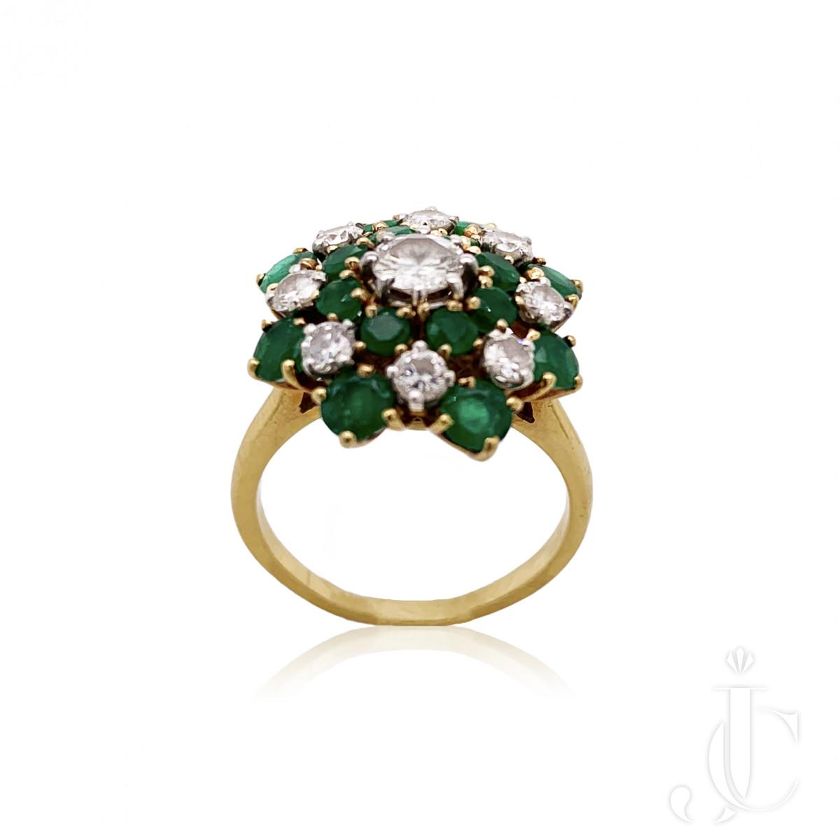 Van Cleef & Arpels Yellow Gold Emerald & Diamond Ring
