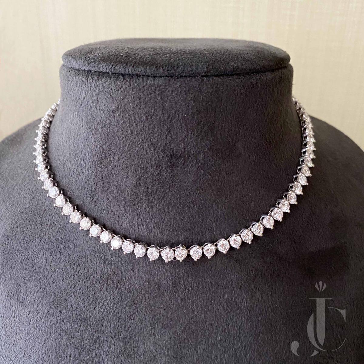 Platinum Diamonds Necklace