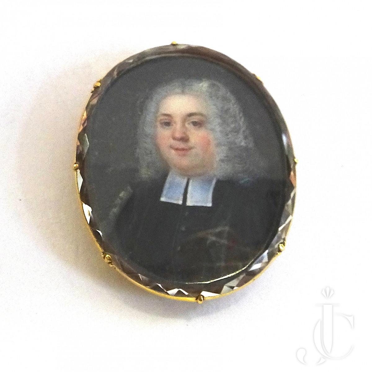 Portrait Pendant