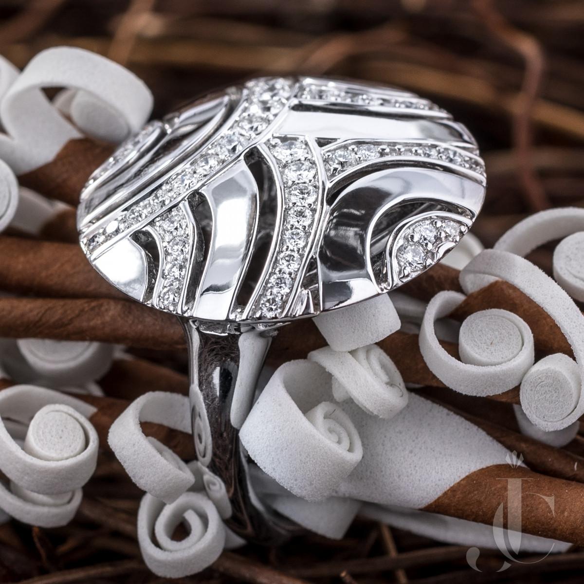Gubelin Diamond Ring, 18K White Gold