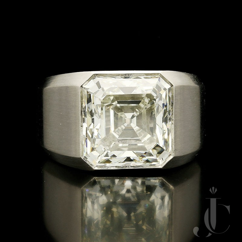 8.04ct K VS1 Old Asscher cut Diamond gypsy ring