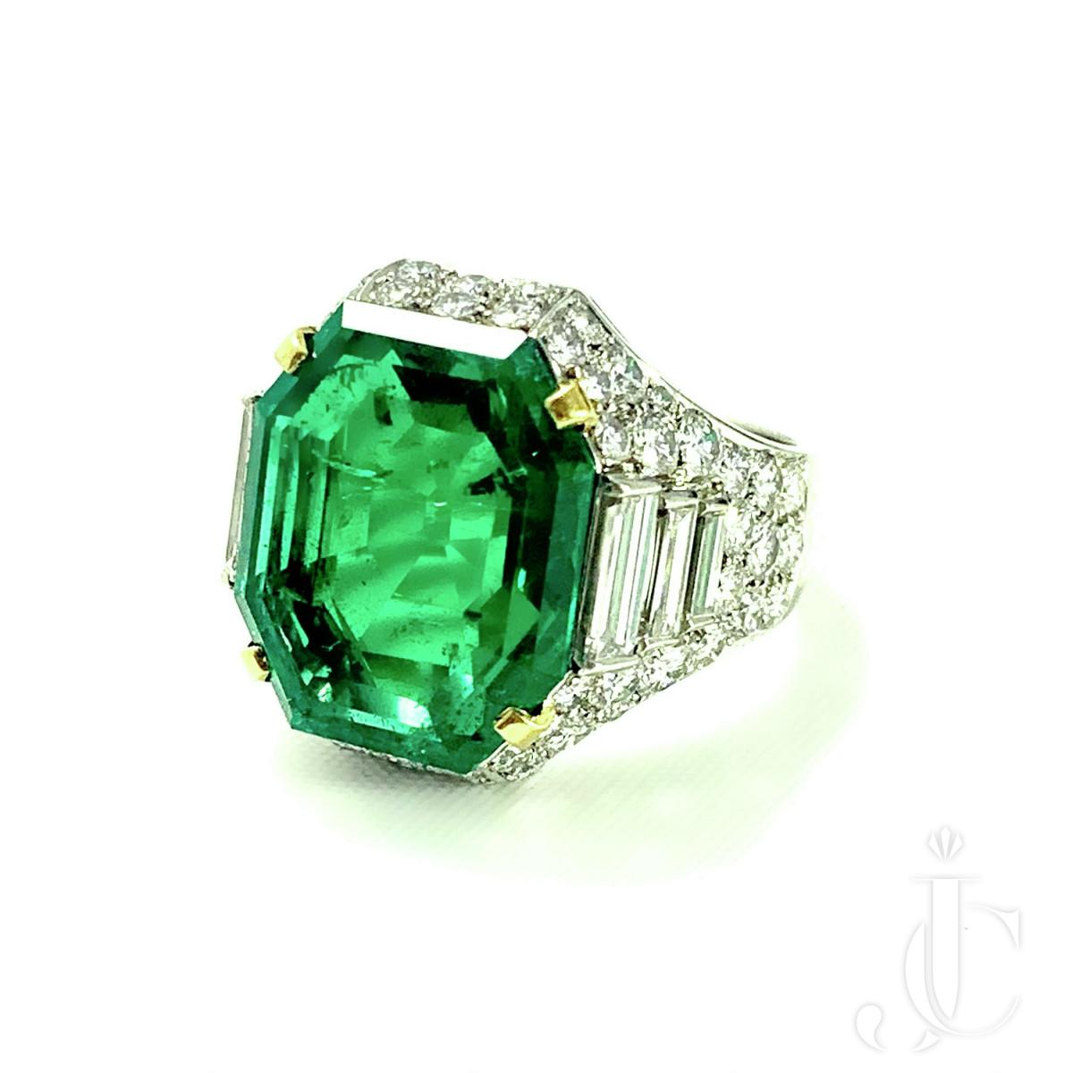 "Bulgari Platinum Colombian Emerald ""Trombino"" Ring"