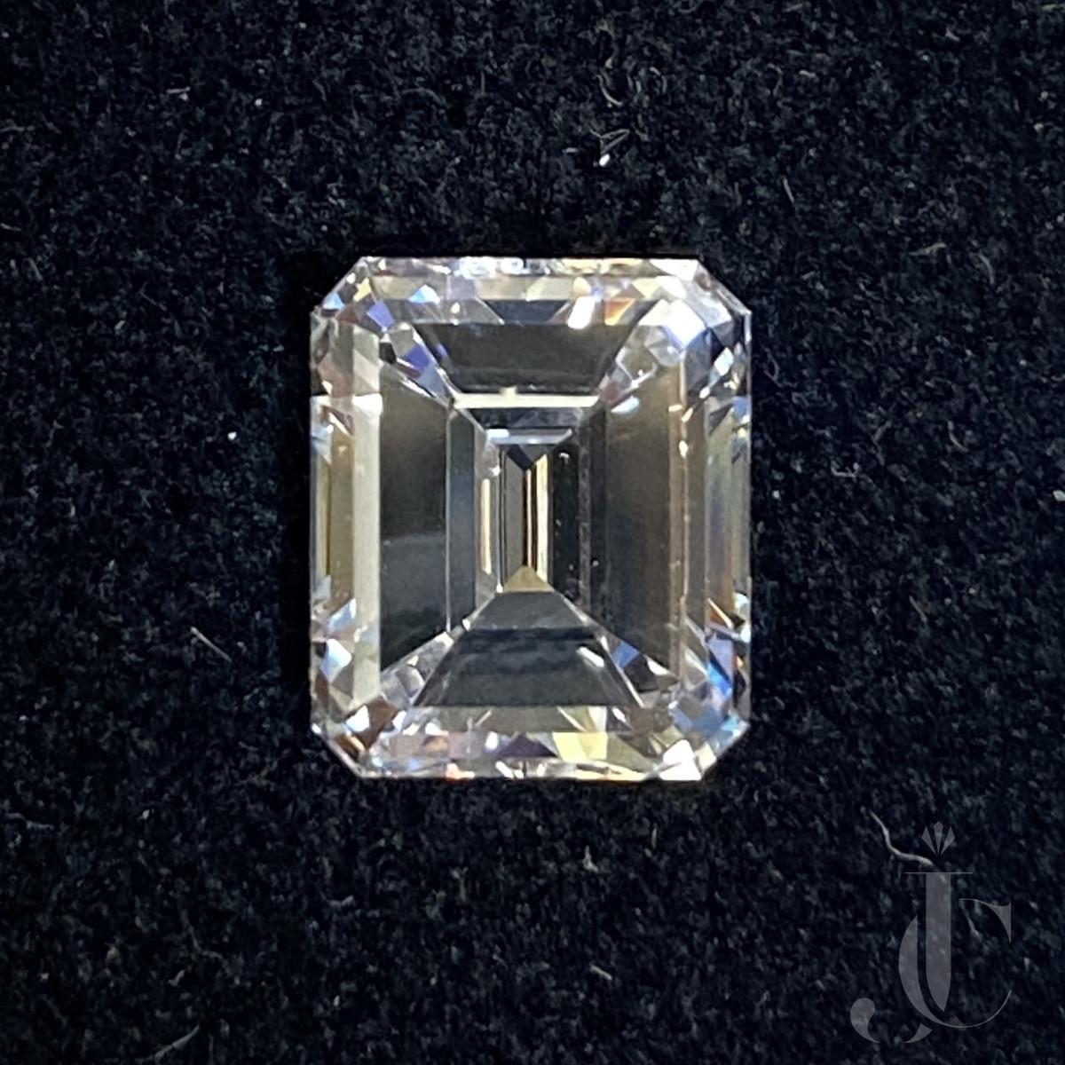 4,01 ct Diamond Emerald cut