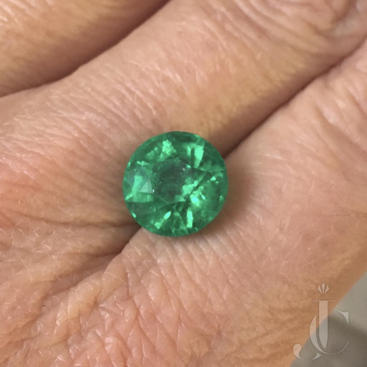 5.73 ct Columbian round Emerald