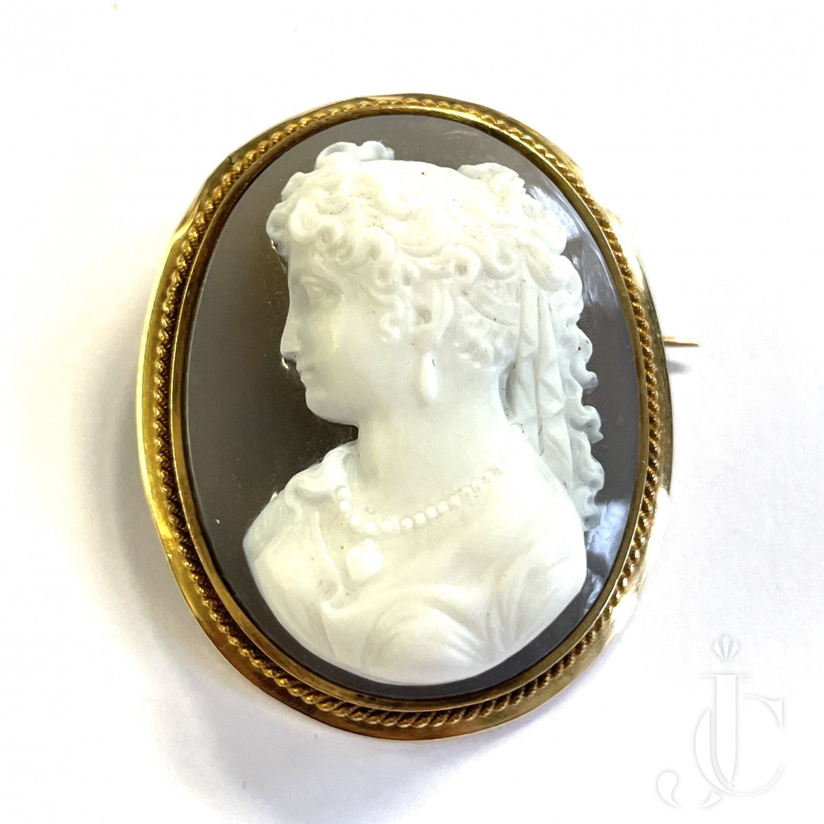 Agate Cameo Brooch