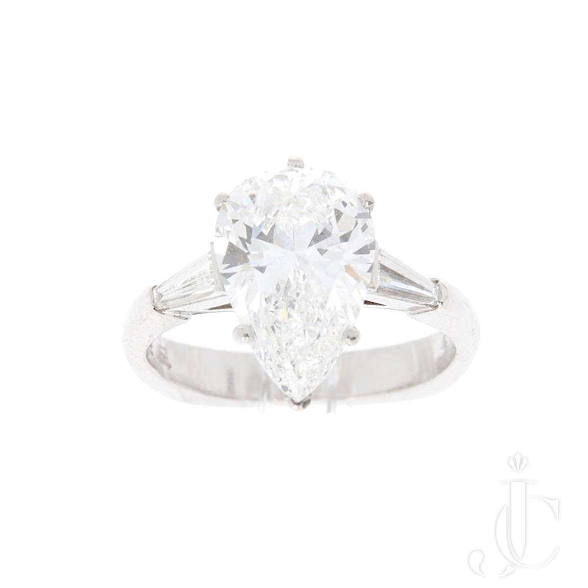 3,30 ct Pear Shape Diamond Ring