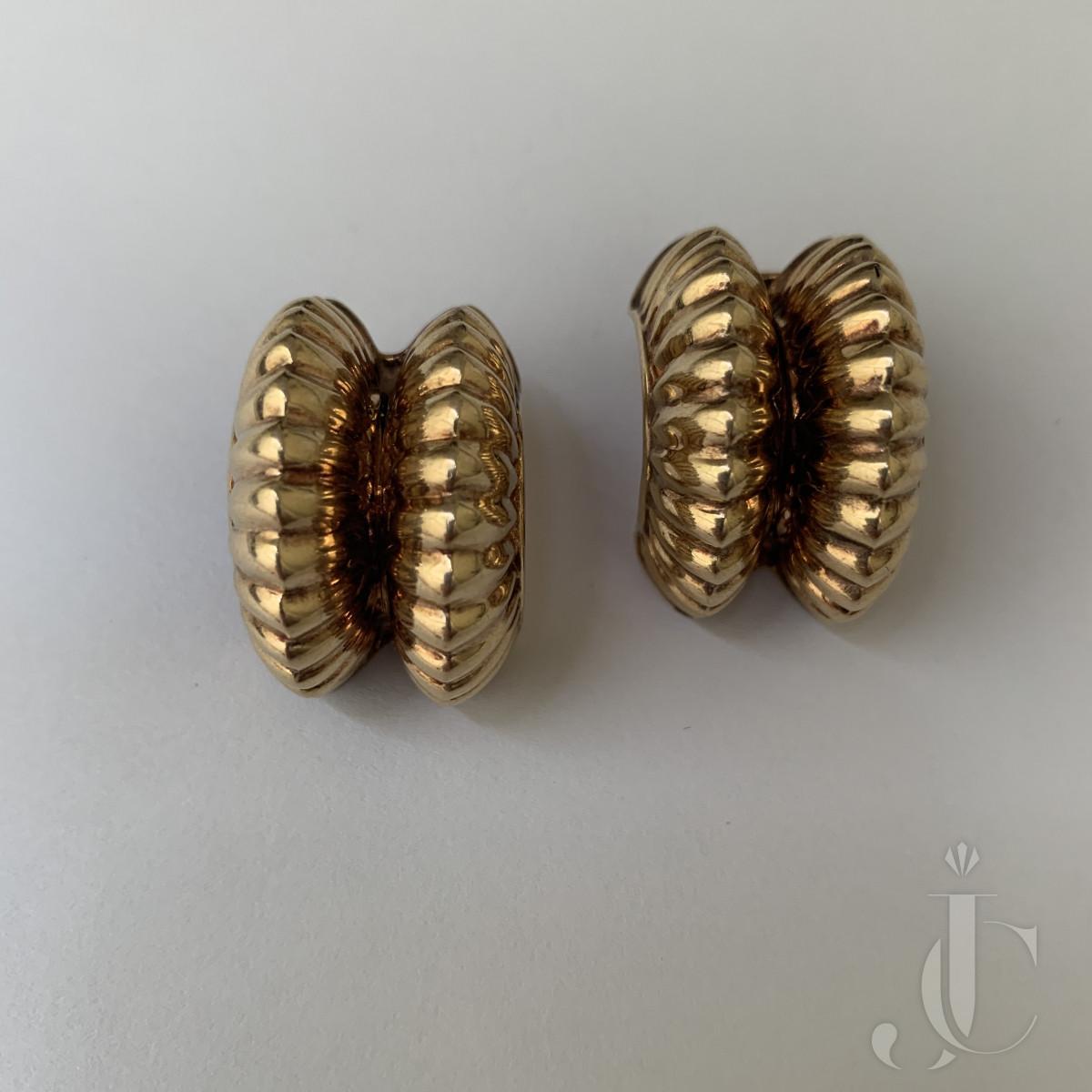 Gold Ribbed Earrings