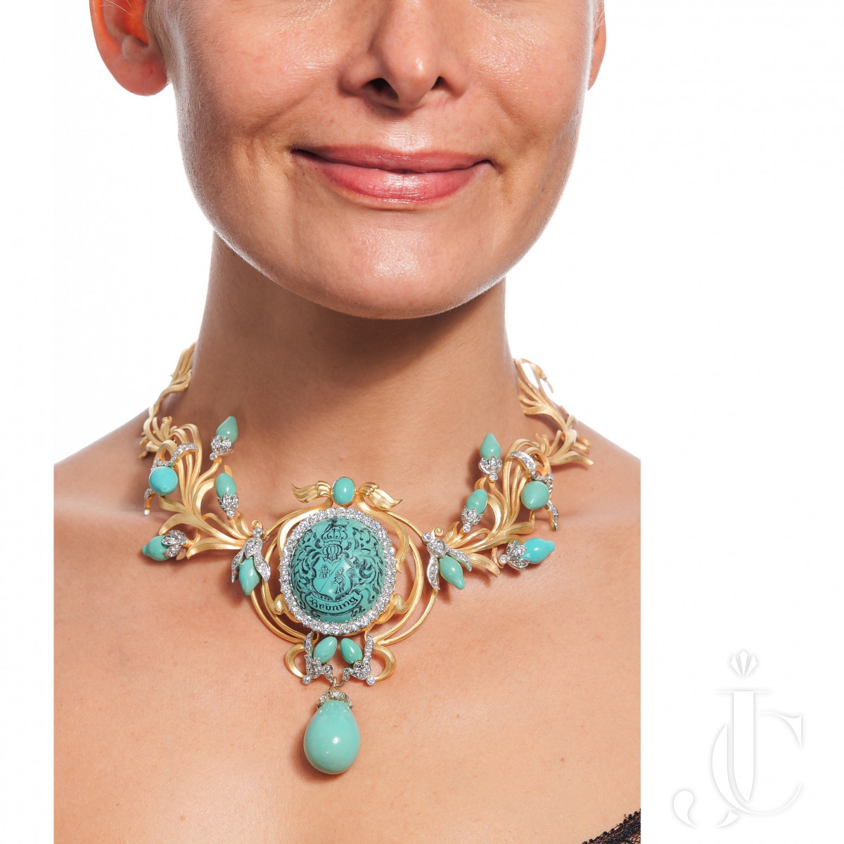 An 18k gold turquoise and diamond choker necklace