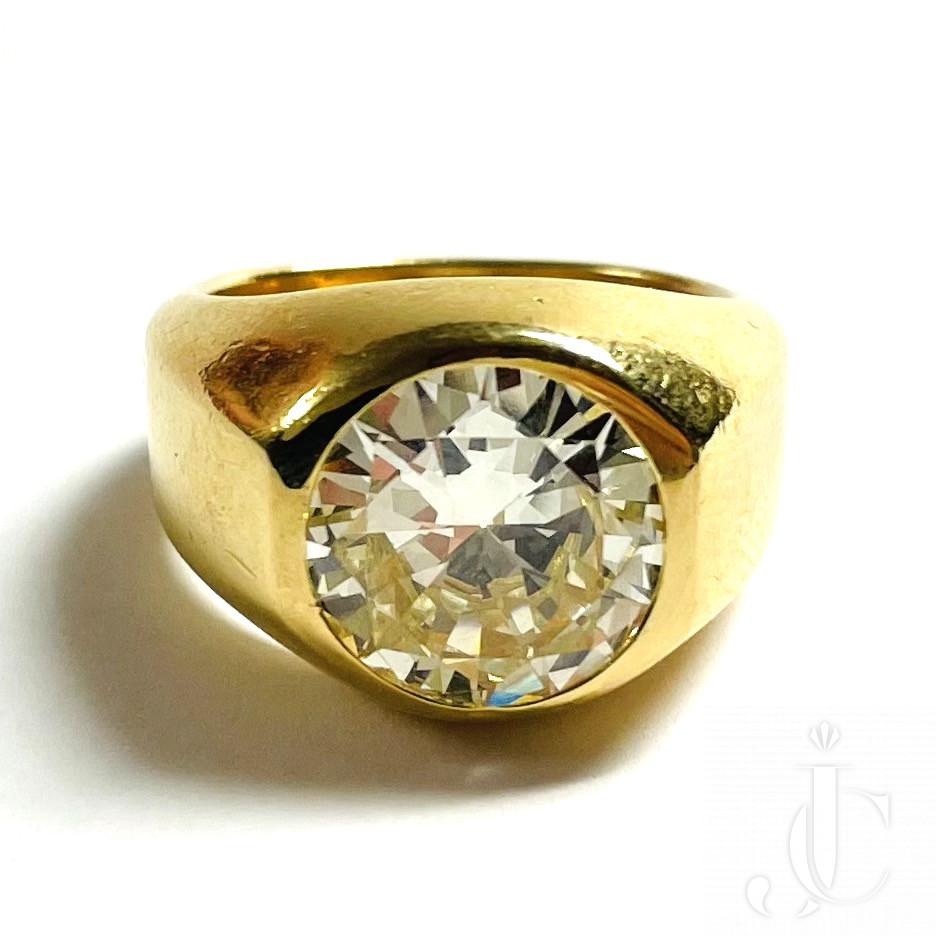 Cartier Diamond Gold Ring