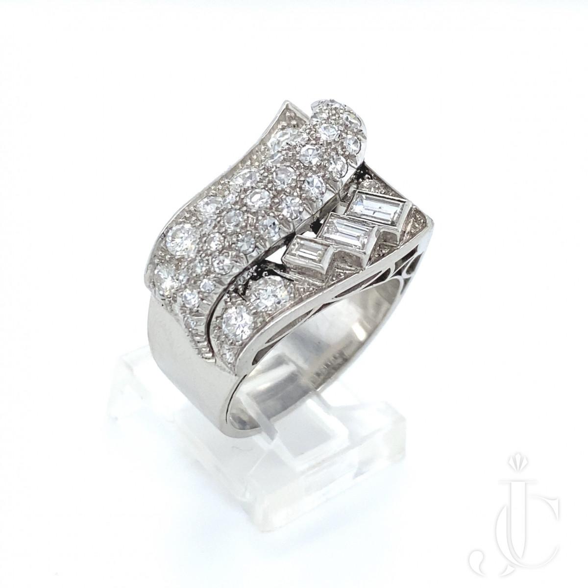 Platinum diamond chevalier