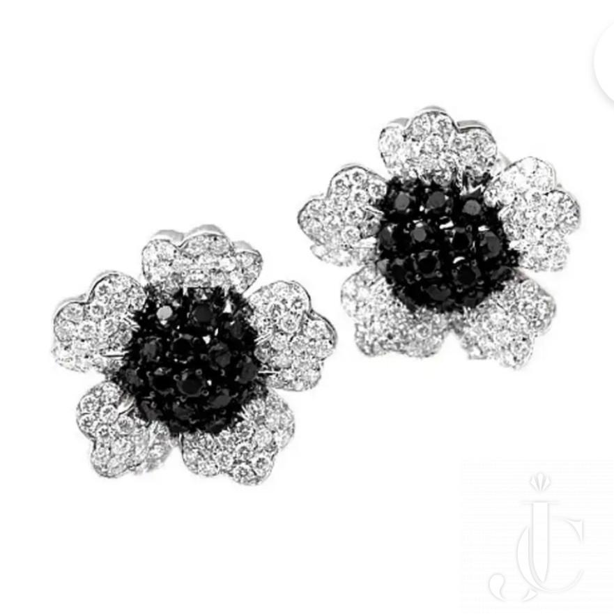 18 KT WG Black Diamond and White Diamond Floral Earrings