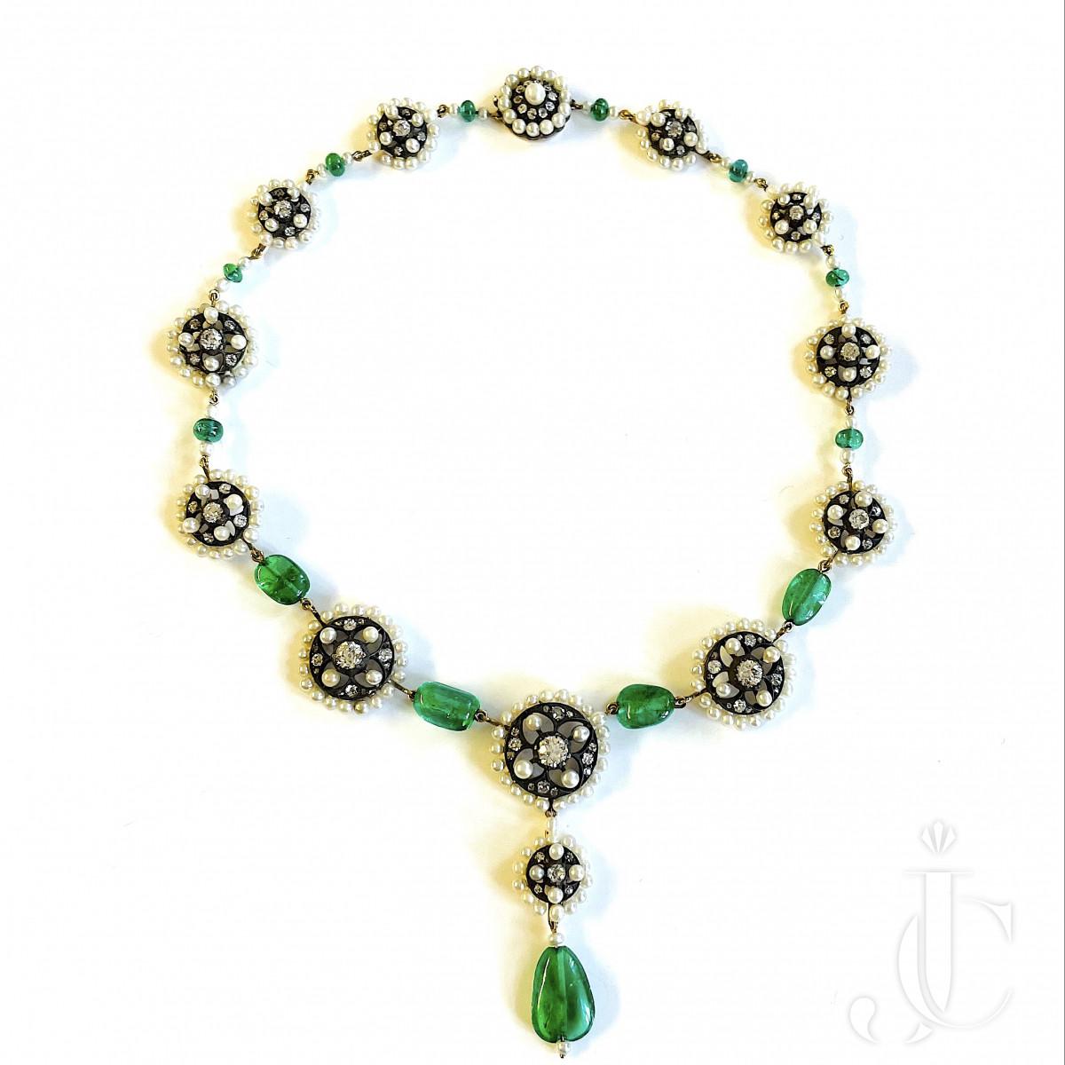 Emerald Pearl Collier