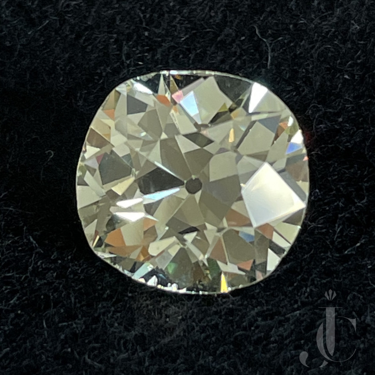 6,00 ct Old Mine Diamond