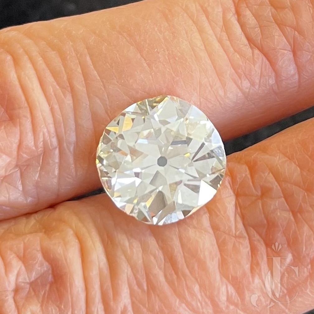 6,81 ct  M-si1 Old Mine Diamond