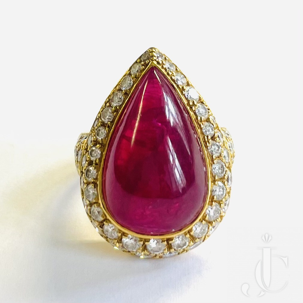 Hemmerle Ruby Cabochon Ring