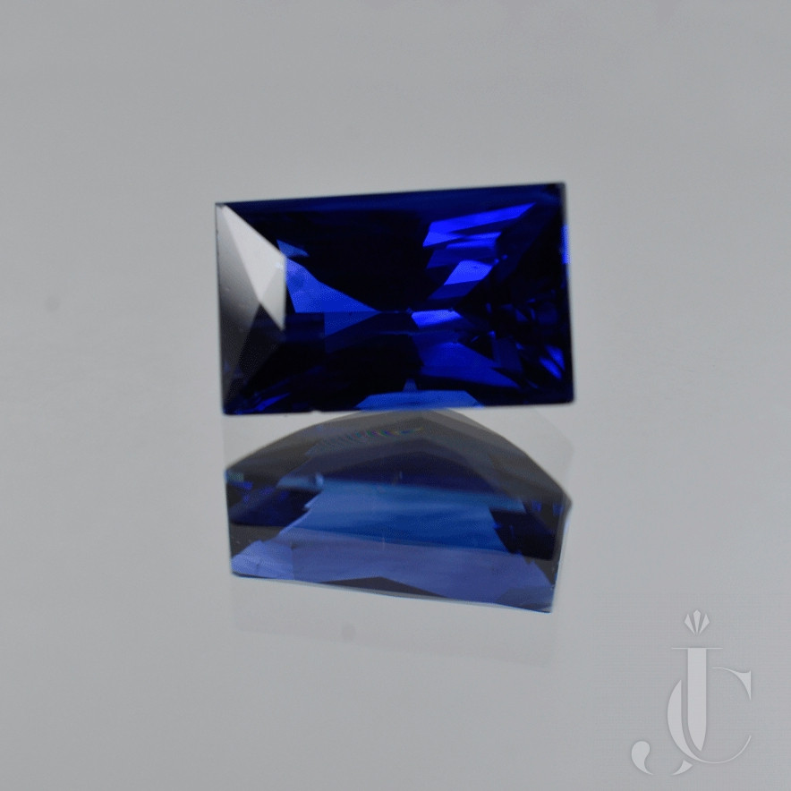 Natural rectangular / baguette Ceylon Sapphire 7.10ct royal blue with GRS lab report
