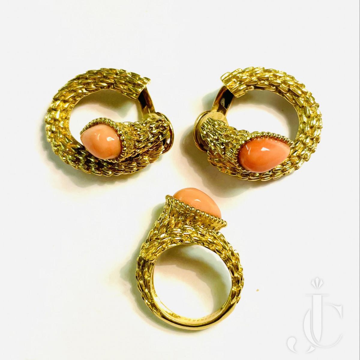 Boucheron Gold Coral Set