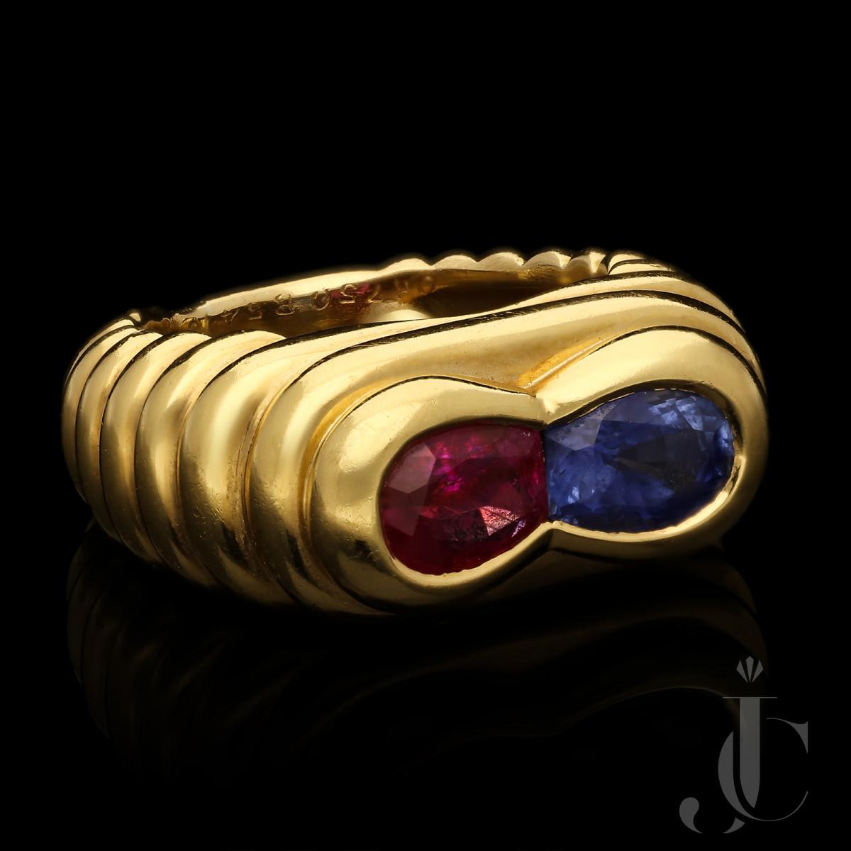 Van Cleef & Arpels Paris- Ruby & Sapphire Ribbed 18ct YG Ring c.1960s