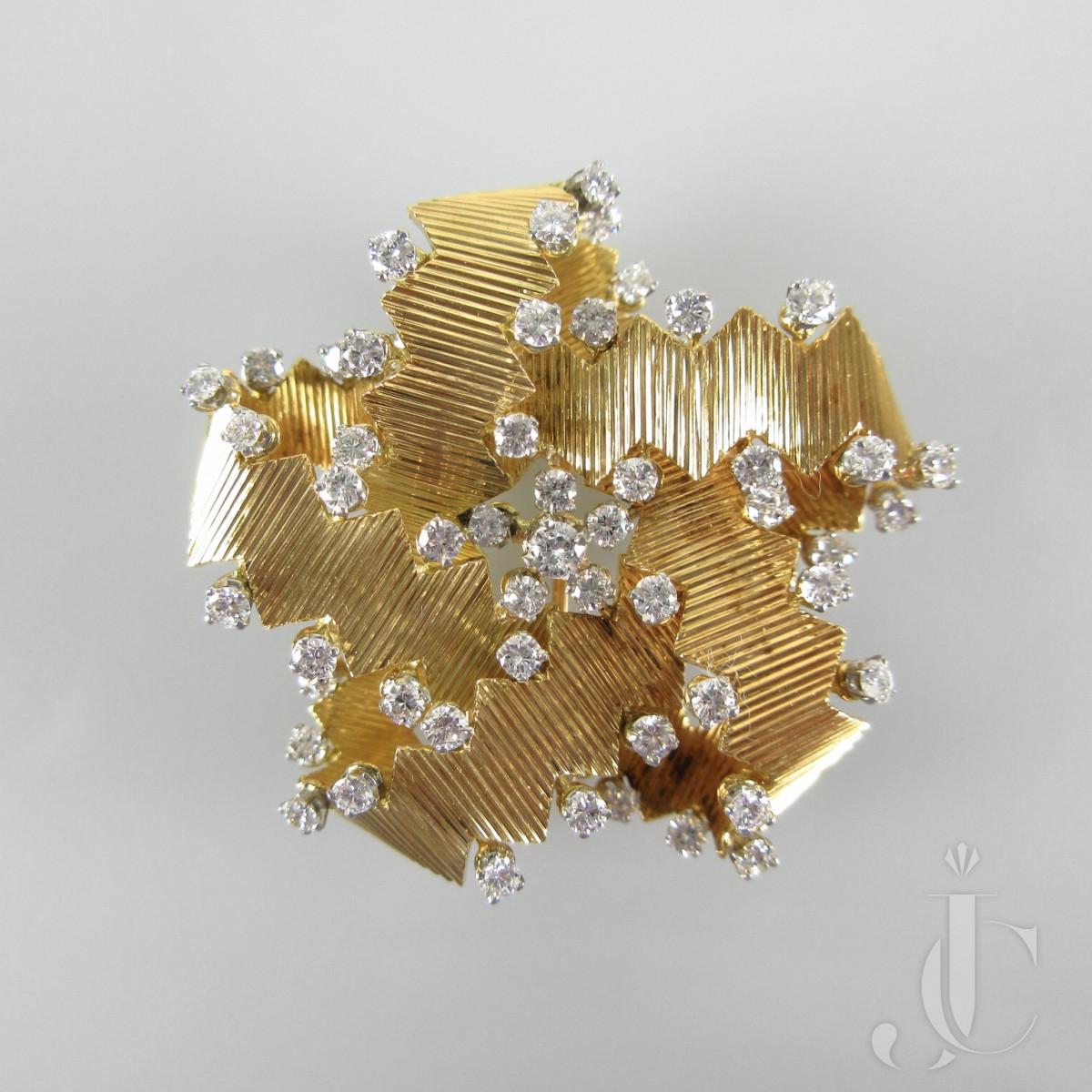 Emerald diamond pin