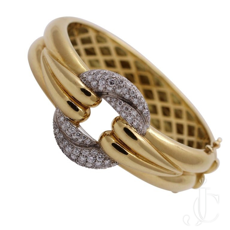 GENTLY CURVING YELLOW GOLD BRACELET With DIAMOND PAVE