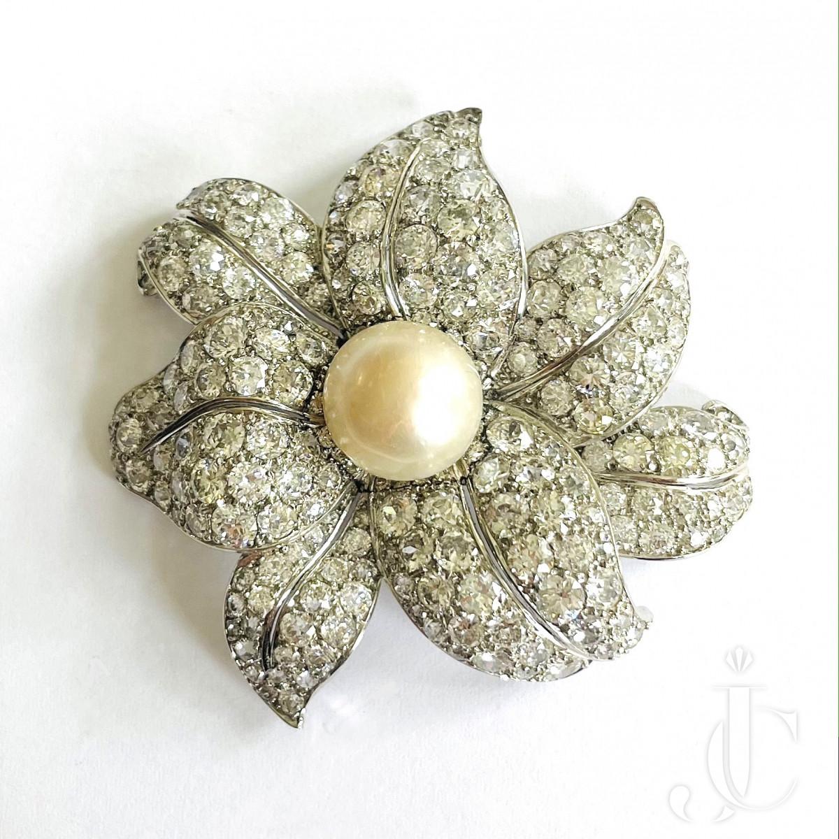 Flower Pearl Brooch