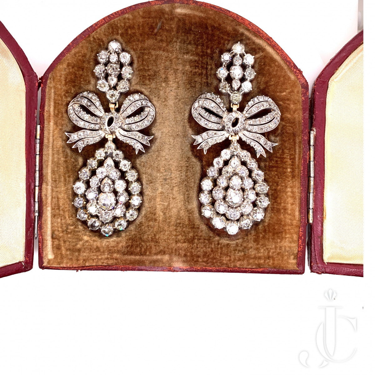 A pair of silver and gold earrings, circa 1820