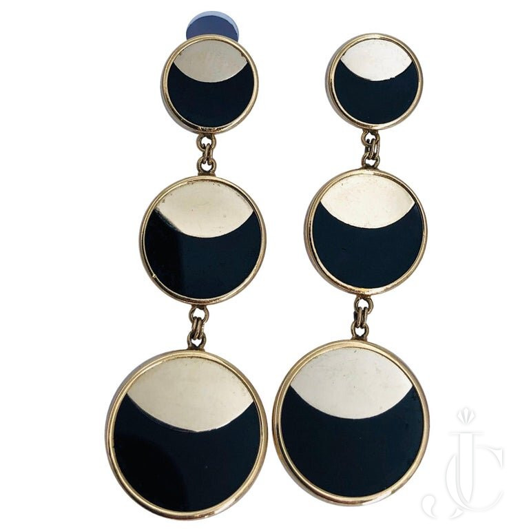 YELLOW GOLD HANGING EARRINGS With ONYX AND MODERN DESIGN