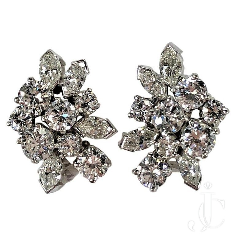 ELEGANT MID SIZE, MIDCENTURY DIAMOND CLUSTER EARRINGS Set IN PLATINUM