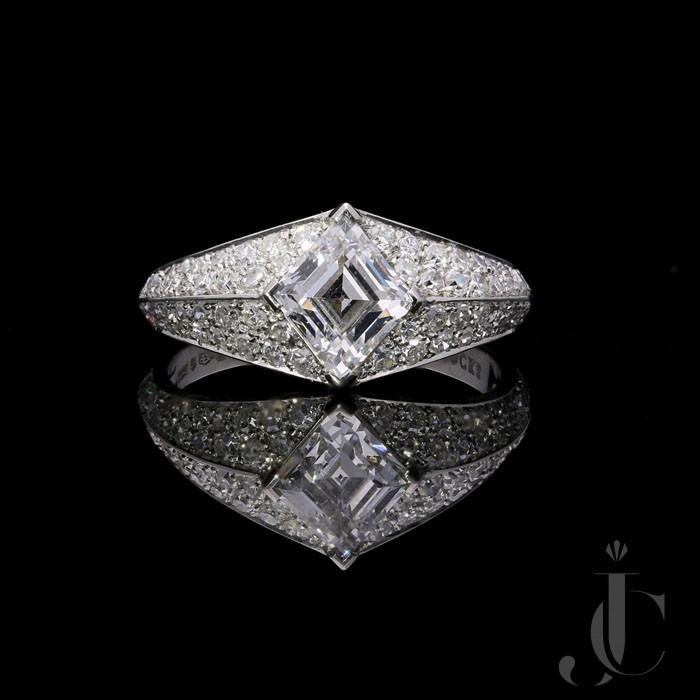 1.12ct F  VS2 Step cut Lozenze Diamond ring