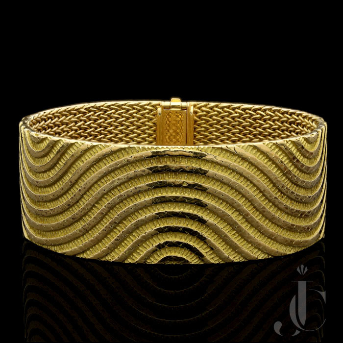 Georges Lenfant 18ct gold bracelet  94 grams c.196os