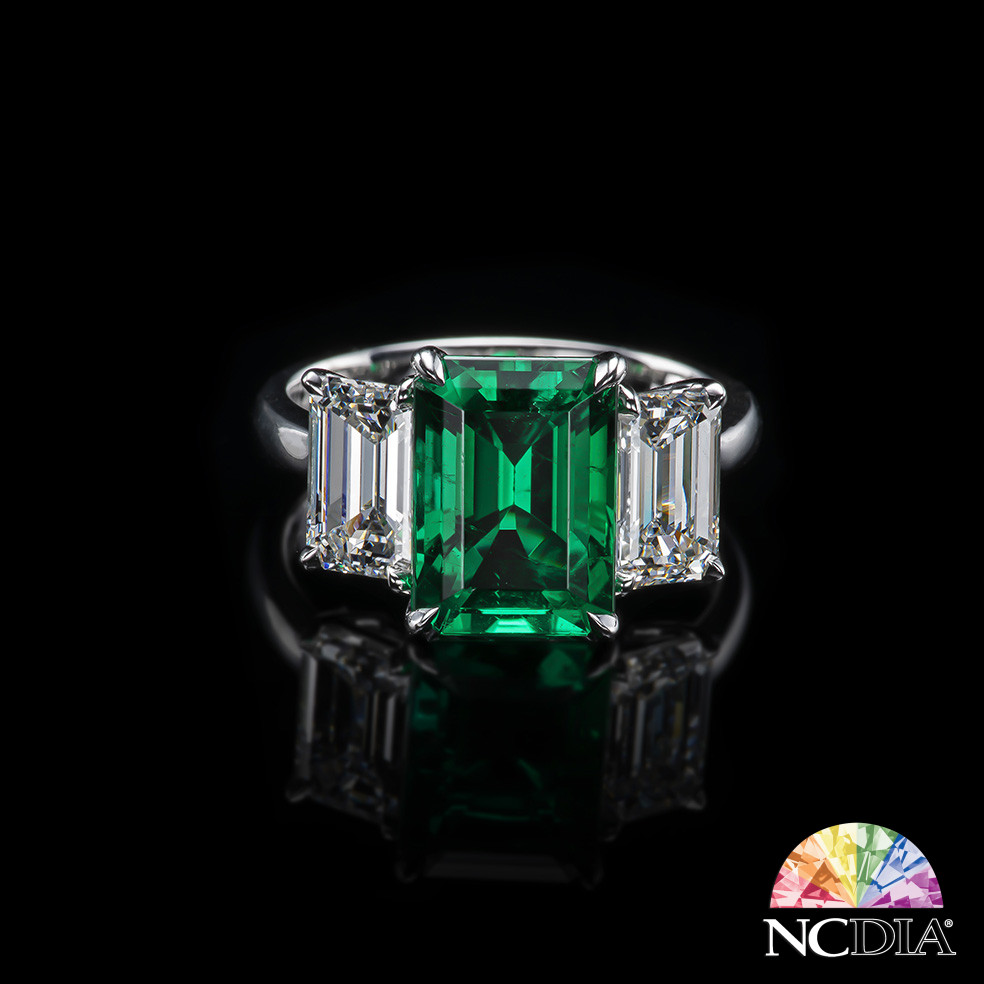 3.22ct Columbian Emerald with No Clarity Enhancement, Set in a Ring with diamonds, GUB/SSEF & GIA certs ava.