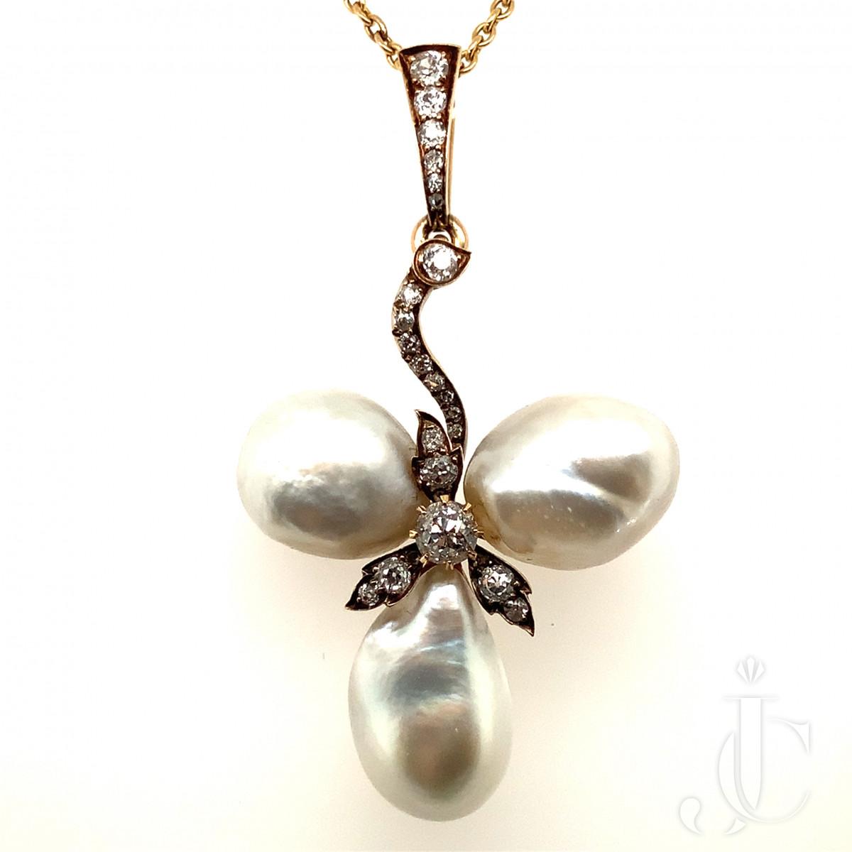 Natural Saltwater Pearl Trefoil Pendant