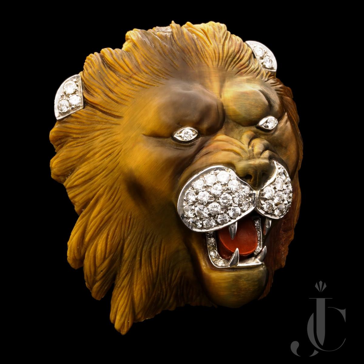 Quartz Tigers Eye Carved Lion head c.1970s