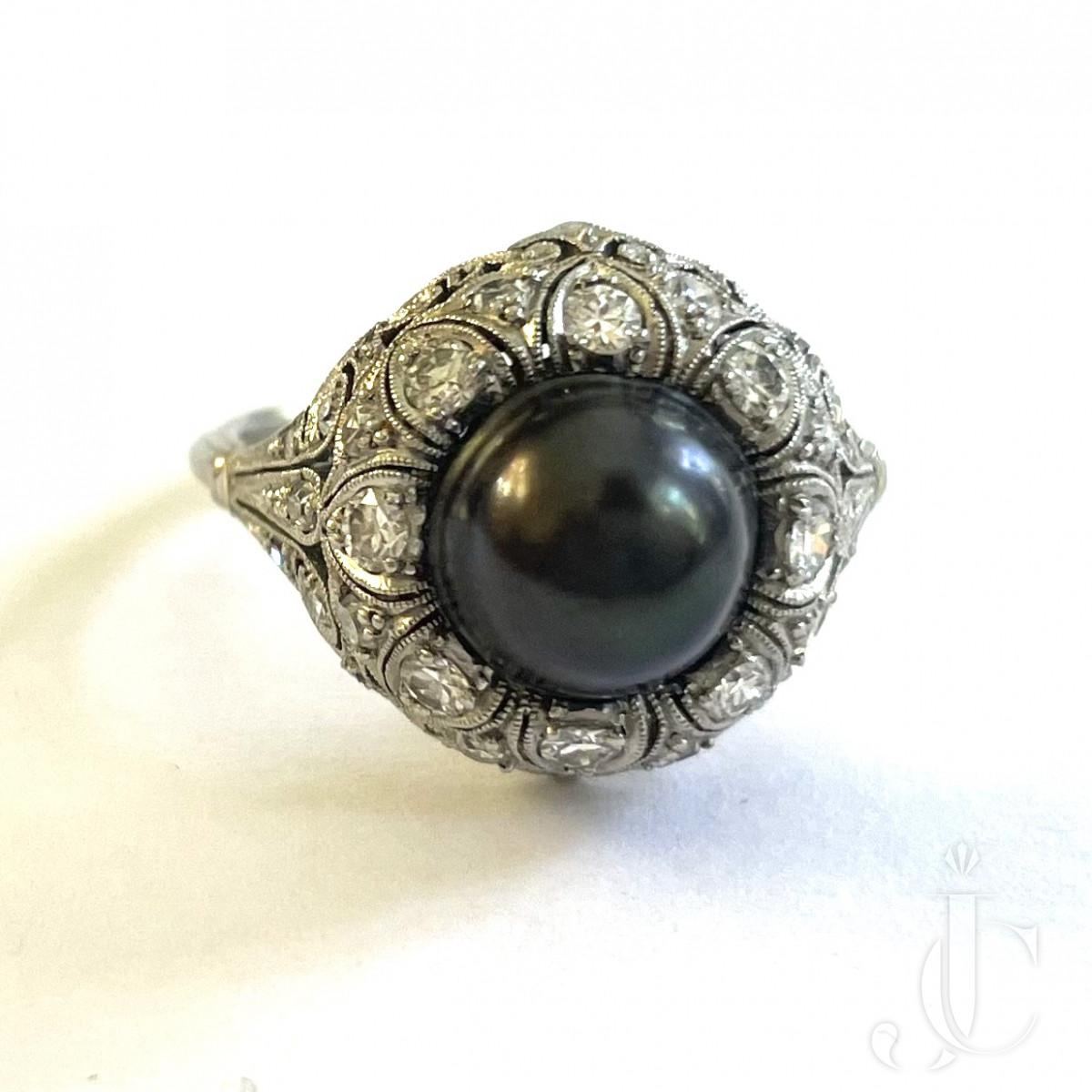 Black Natural Pearl Ring