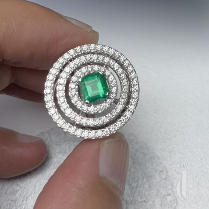 GRAFF Emerald and Diamond Bulls Eye Ring